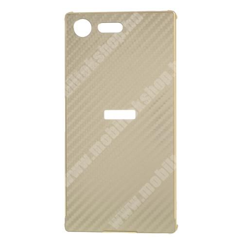 Alumínium védő tok / hátlap - ARANY - Karbon mintás - SONY Xperia XZ Premium