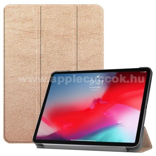 Notesz / mappa tok - ARANY - oldalra nyíló flip cover, TRIFOLD asztali tartó funkciós, mágneses záródás - APPLE iPad Pro 11 (2018)
