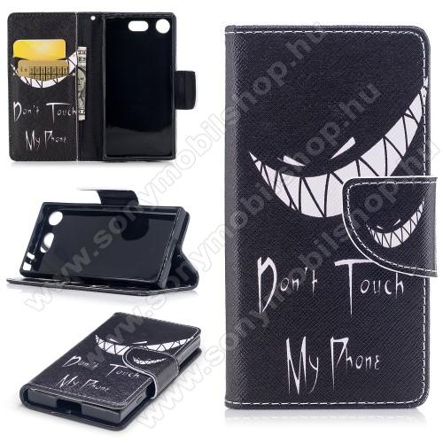 Notesz / mappa tok - Do not Touch My Phone MINTÁS - oldalra nyíló, rejtett mágneses záródás, belső zseb, asztali tartó funkció, szilikon belső - Sony Xperia XZ1 Compact