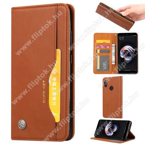 Notesz tok / flip tok - BARNA - asztali tartó funkciós, oldalra nyíló, rejtett mágneses záródás, bankkártya tartó zsebekkel, szilikon belső - HUAWEI nova 3i / HUAWEI P Smart+