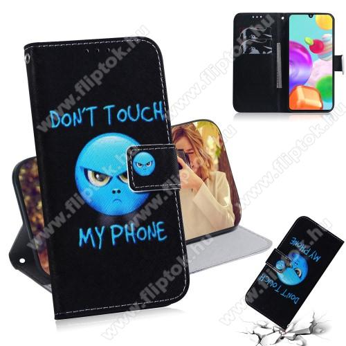 Notesz tok / flip tok - Do Not Touch My Phone MINTÁS - asztali tartó funkciós, oldalra nyíló, rejtett mágneses záródás, bankkártyatartó zseb, szilikon belső - SAMSUNG Galaxy A41 (SM-A415F)