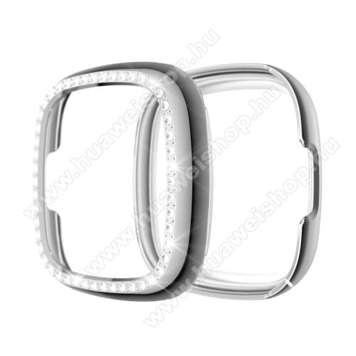 Okosóra műanyag védő tok / keret - EZÜST - Strasszkővel díszített - Fitbit Versa 3 / Fitbit Sense