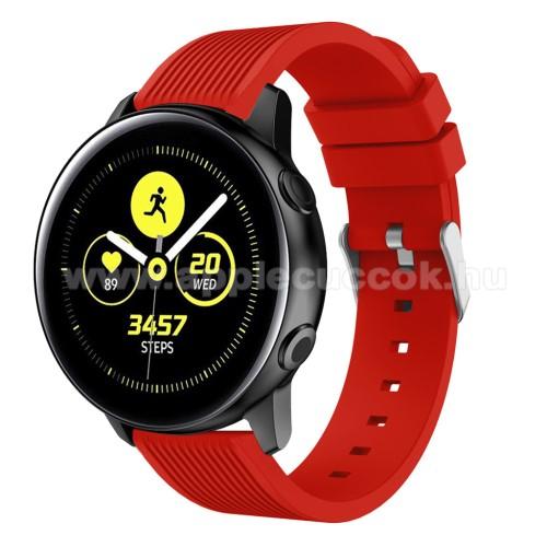 Okosóra szíj - szilikon, csíkos textúra mintás - PIROS - 78mm + 95mm hosszú, 18mm széles, 139-214mm csuklóméretig ajánlott - SAMSUNG SM-R500 Galaxy Watch Active / SAMSUNG Galaxy Watch Active2 40mm / SAMSUNG Galaxy Watch Active2 44mm