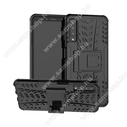 OTT! VROOM műanyag védő tok / hátlap - FEKETE - AUTÓGUMI MINTÁS - szilikon betétes, asztali tartó funkciós, ERŐS VÉDELEM! - SAMSUNG SM-A750F Galaxy A7 (2018)