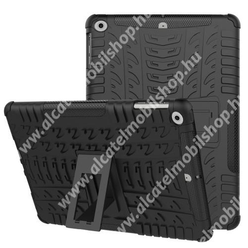 OTT! VROOM műanyag védő tok / hátlap - FEKETE - AUTÓGUMI MINTÁS - szilikon betétes, asztali tartó funkciós, ERŐS VÉDELEM! - APPLE iPad 9.7 (2017) (5. GENERÁCIÓS) / APPLE iPad 9.7 (2018)