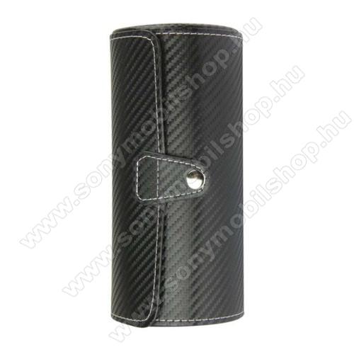 UNIVERZÁLIS Óratartó / tároló doboz - FEKETE KARBON MITÁS - PU bőr, 3 óra tárolására alkalmas, patent záródás, méret: 19.5cm x 9cm