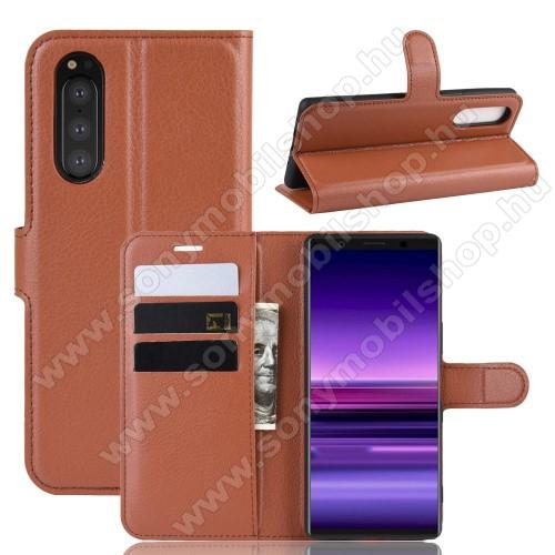 WALLET notesz tok / flip tok - BARNA - asztali tartó funkciós, oldalra nyíló, rejtett mágneses záródás, bankkártyatartó zseb, szilikon belső - SONY Xperia 5