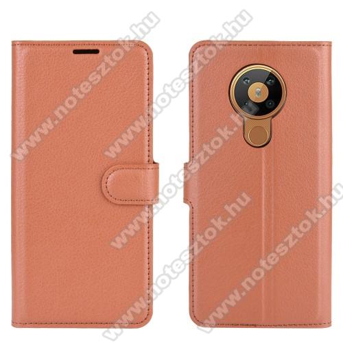 WALLET notesz tok / flip tok - BARNA - asztali tartó funkciós, oldalra nyíló, rejtett mágneses záródás, bankkártyatartó zseb, szilikon belső - NOKIA 5.3